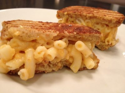 Macaroni and Cheese Grilled Cheese Recipe Image one